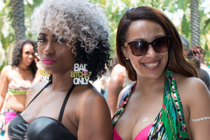 Sensational Women's Event In Miami - Aqua Girl