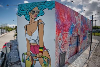 Claudia La Bianca, Wynwood mural, Miami, Photographer Sandro Abate